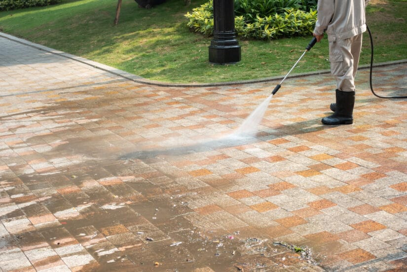 photo of driveway cleaning